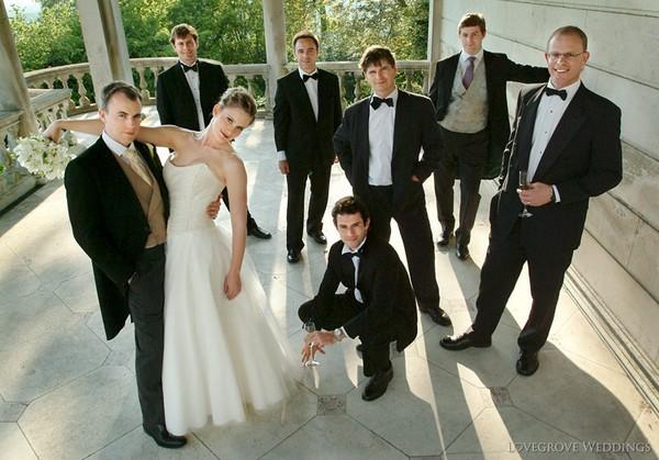 Wedding Group Shot of Bride, Groom and Groomsmen