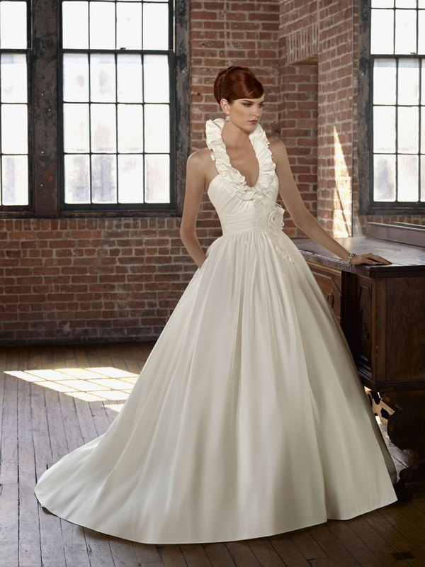 4805 radiant taffeta the wedding community blog for Mori lee taffeta wedding dress