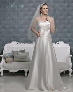 Picture of Avery Wedding Dress - Amanda Wyatt 2011 Collection