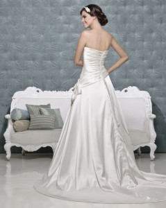 Picture of Back of Brianna Wedding Dress - Amanda Wyatt 2011 Collection