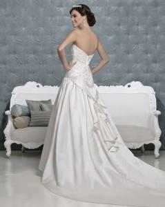 Picture of Back of Faye Wedding Dress - Amanda Wyatt 2011 Collection
