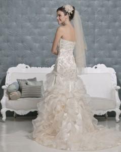 Picture of Back of Madrid Wedding Dress - Amanda Wyatt 2011 Collection