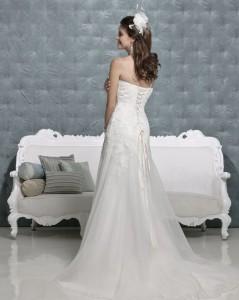 Picture of Back of Monique Wedding Dress - Amanda Wyatt 2011 Collection
