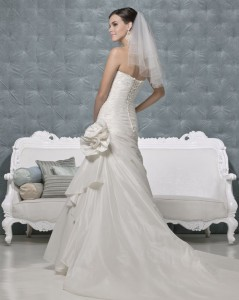 Picture of Back of Persia Wedding Dress - Amanda Wyatt 2011 Collection
