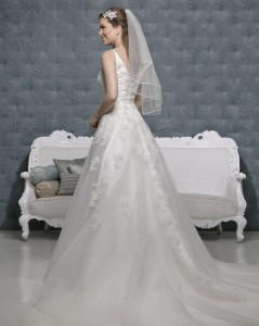 Picture of Back of Princess Wedding Dress - Amanda Wyatt 2011 Collection