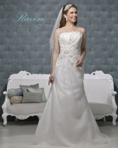 Picture of Raven Ivory Wedding Dress - Amanda Wyatt 2011 Collection