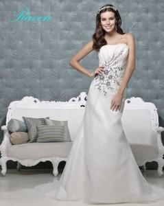 Picture of Raven Ivory Black Wedding Dress - Amanda Wyatt 2011 Collection