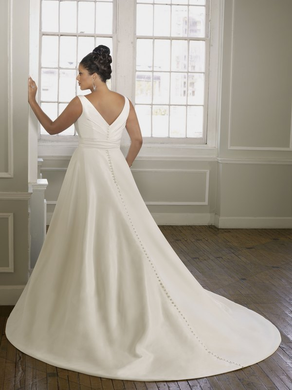 3092 radiant taffeta back the wedding community blog for Mori lee taffeta wedding dress