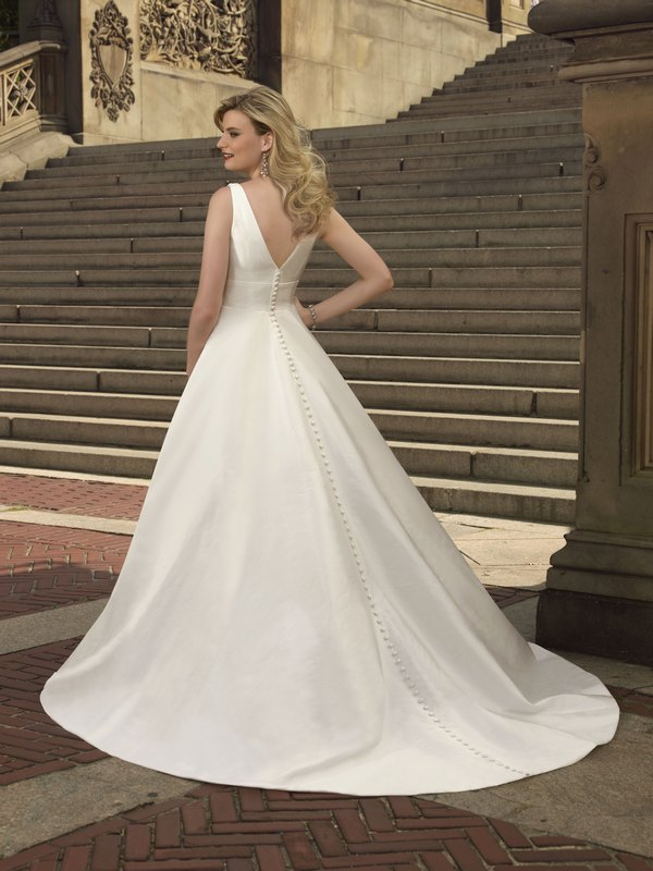6706 taffeta back the wedding community blog for Mori lee taffeta wedding dress