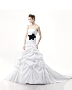 Picture of Detroit Wedding Dress - Blue by Enzoani 2011 Collection