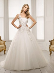 Picture of 64008 Donna Wedding Dress - Ronald Joyce 2011 Collection