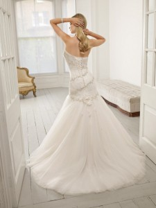 Picture of Back of 64013 Dea Wedding Dress - Ronald Joyce 2011 Collection