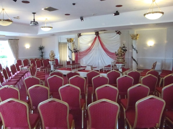 Chairs without wedding chair covers