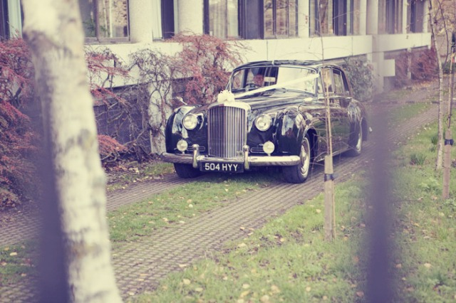 Vintage wedding car - Picture by Laura McCluskey Photography