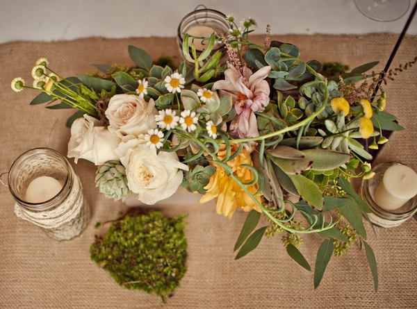 Wedding floral table display - Picture by Captured by Aimee