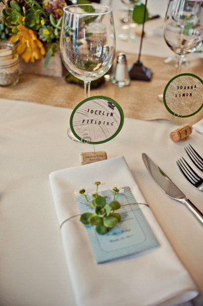 Napkin and place setting - Picture by Captured by Aimee