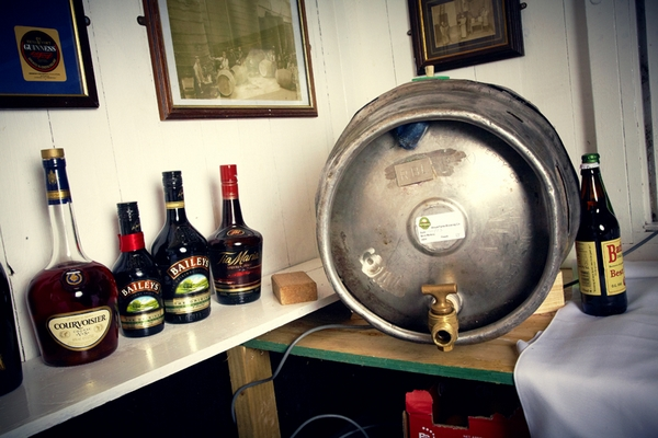 Beer keg and spirits - Picture by Ian Shoots Weddings