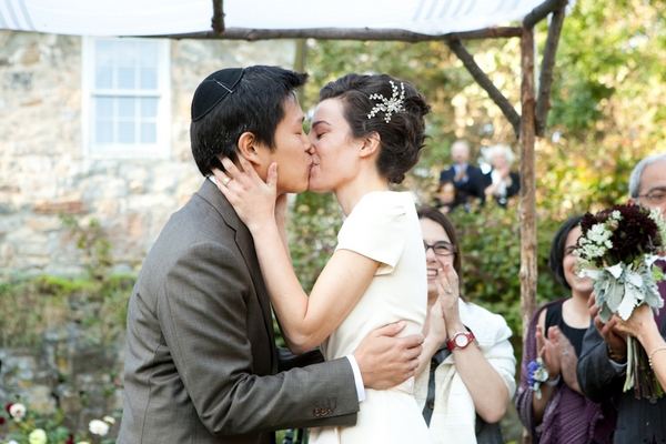 Bride and groom kiss - Picture by Levi Stolove Photography