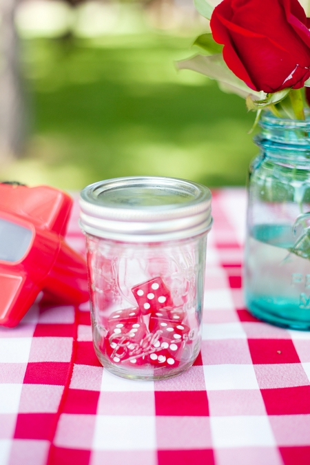 Dice in a jar wedding decoration - Picture by Laura Ivanova Photography
