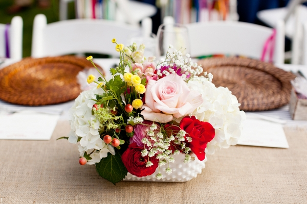 Wedding table centre flowers - Picture by Laura Ivanova Photography