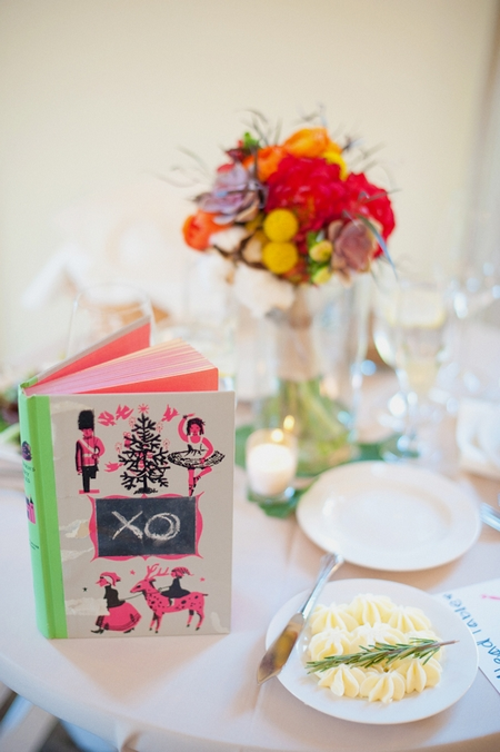 Book on wedding breakfast table - Picture by Rojo Foto Design