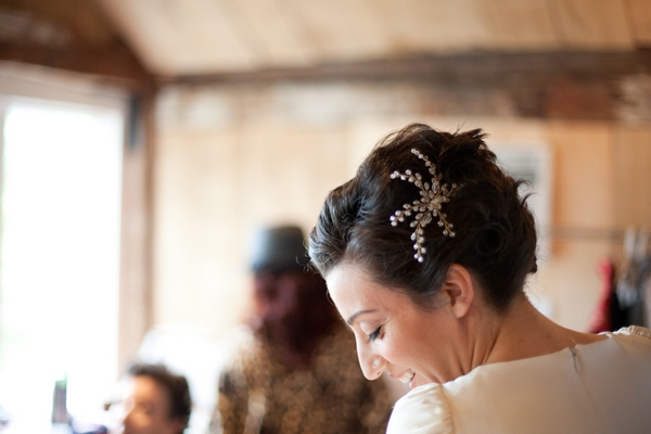 Bride wearing bridal hair piece - Picture by Levi Stolove Photography