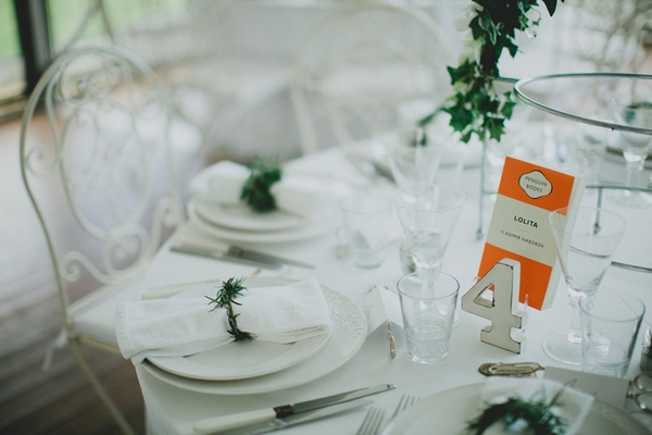 Wedding table with number 4 - Picture by Jonas Peterson Photography