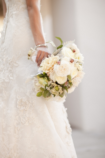 Bouquet in bride's hand - Picture by Allyson Magda Photography