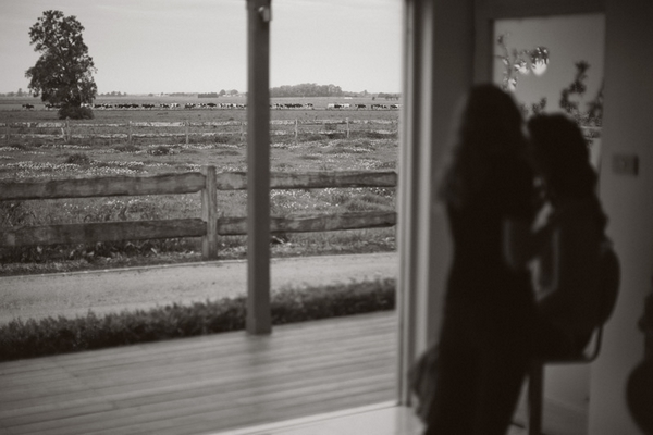 Countryside seen through a large doorway - Picture by Jonas Peterson Photography