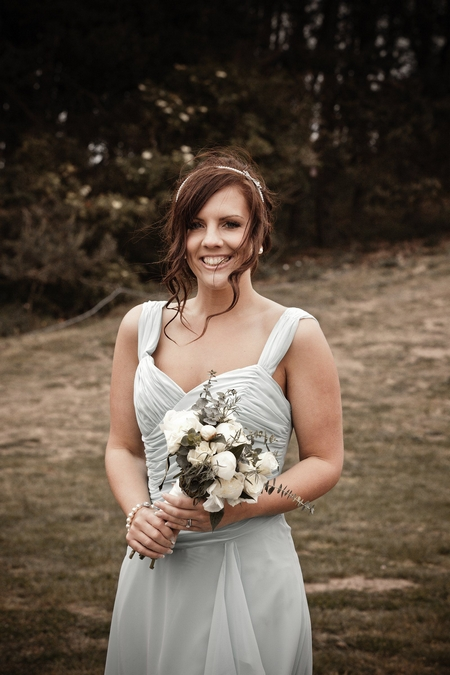 Bridesmaid in light blue dress - Picture by Archibald Photography
