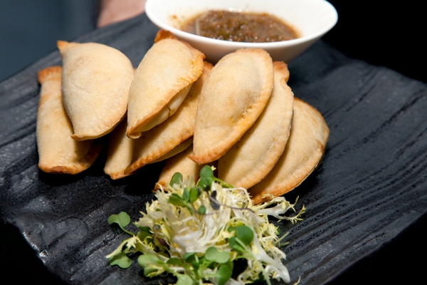 Dumpling wedding canapes - Picture by Yvette Roman Photography