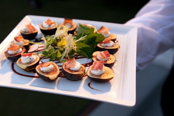 Fig wedding canapes - Picture by Yvette Roman Photography