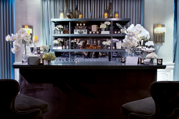 Bar at The London Hotel in California - Picture by Yvette Roman Photography