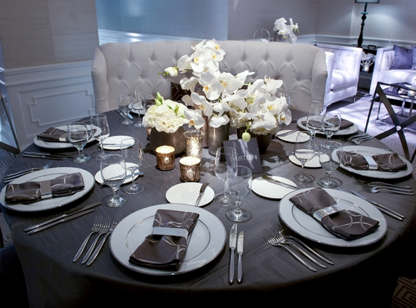 Wedding table display - Picture by Yvette Roman Photography