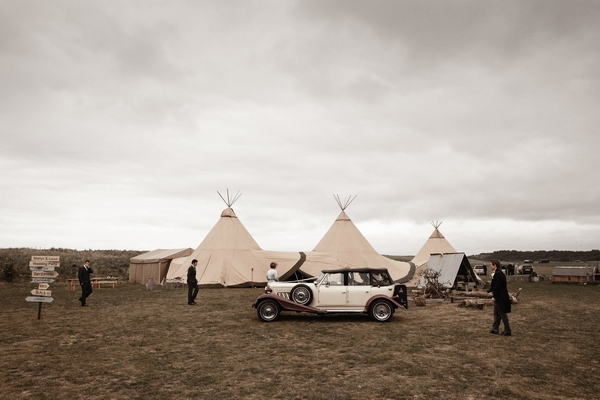 Wedding car and tipis - Picture by Archibald Photography
