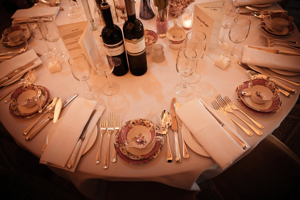 Wedding table layout - Picture by Archibald Photography