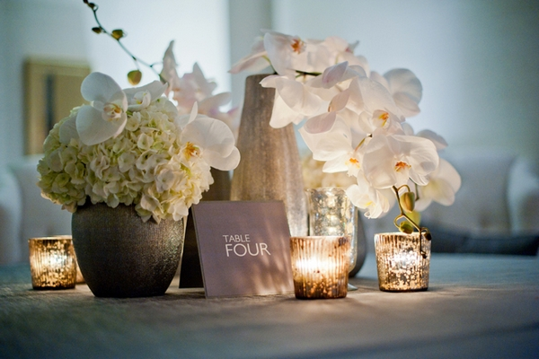 Chic wedding table name - Picture by Yvette Roman Photography