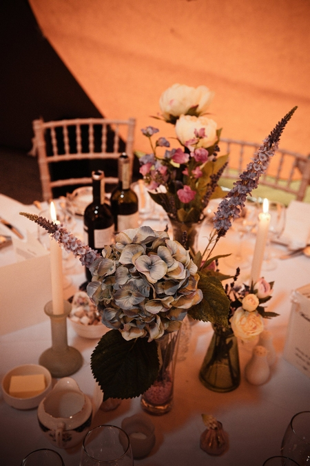 Wedding table flower centrepiece - Picture by Archibald Photography