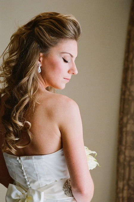 Bride with eyes shut - Picture by Yvette Roman Photography