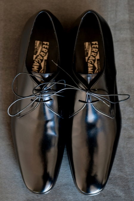 Groom's wedding shoes - Picture by Yvette Roman Photography