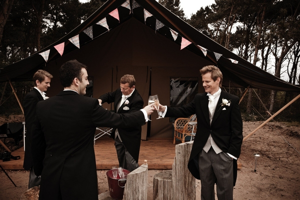 Groomsmen preparing for wedding - Picture by Archibald Photography