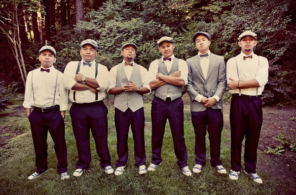 Vintage groomsmen standing in a line - Picture by Paco and Betty