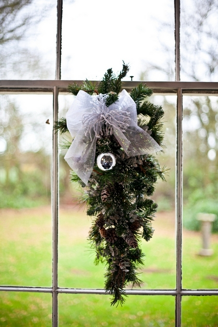 Christmas wedding decoration - Picture by Anneli Marinovich Photography
