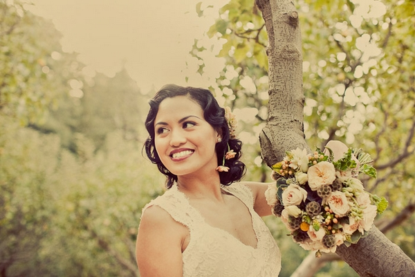 Vintage bride by tree - Picture by Paco and Betty