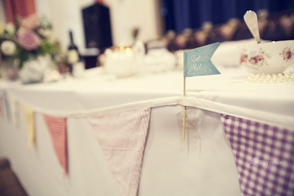 Fabric bunting on front of table - Picture by Mirrorbox Photography