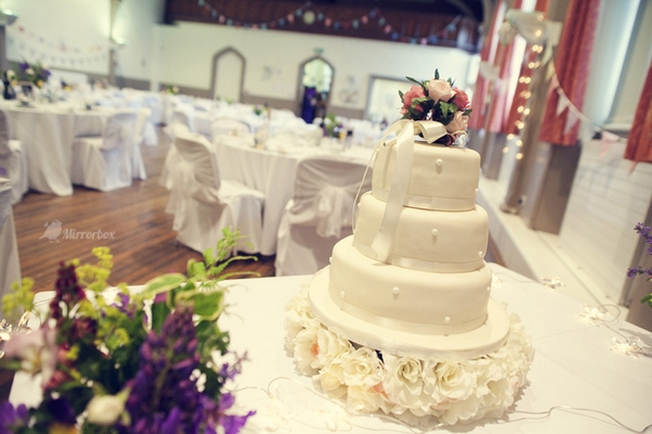 Wedding cake - Picture by Mirrorbox Photography
