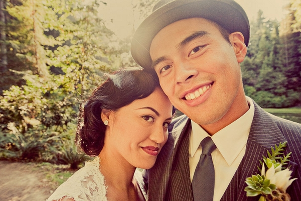 Vintage bride and groom smiling - Picture by Paco and Betty