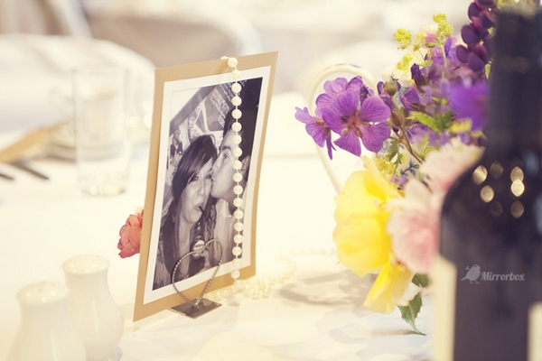 Photograph wedding place setting - Picture by Mirrorbox Photography