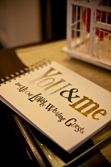 Wedding guest book - Picture by Anneli Marinovich Photography