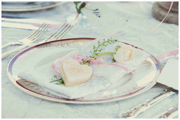 Heart soap wedding favour - Picture by Fiona Kelly Wedding Photography